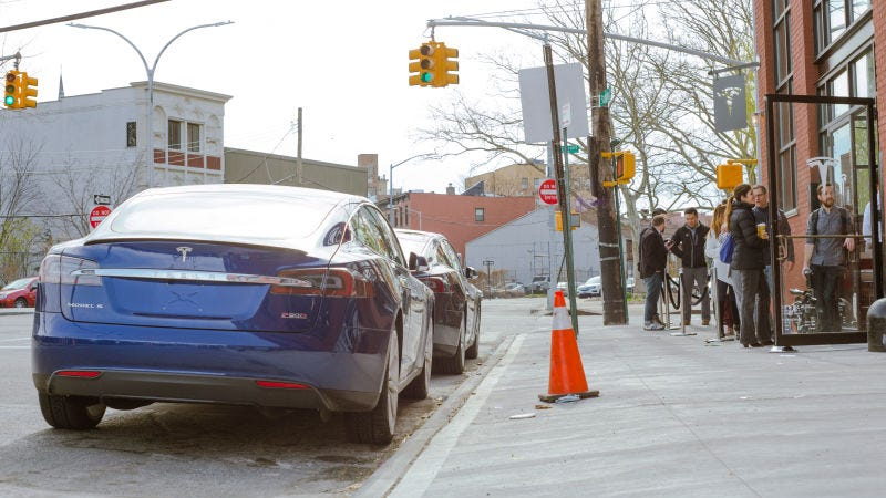 People waiting in line to order the Model 3 at Tesla's Red Hook location in Brooklyn, back in 2016