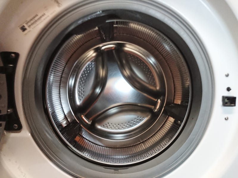 Illustration for article titled Washing machine or 1994-1995 mustang wheel?