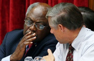 Clyburn talks with Rep. Fred Upton (R-Mich.).