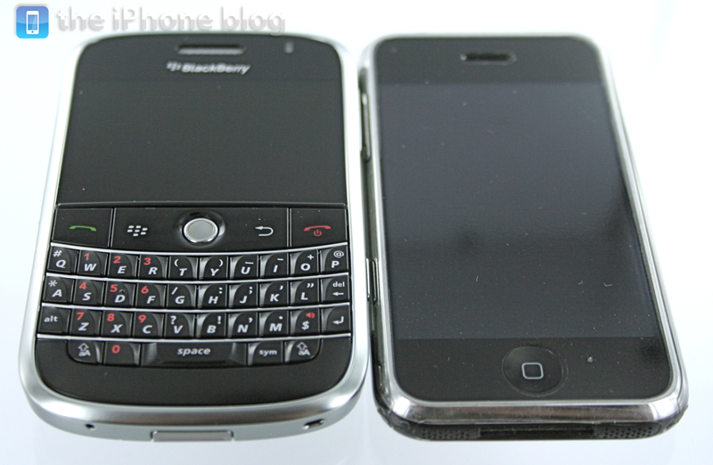 Illustration for article titled iPhone vs. BlackBerry Bold: The Side-by-Side Photos and Video