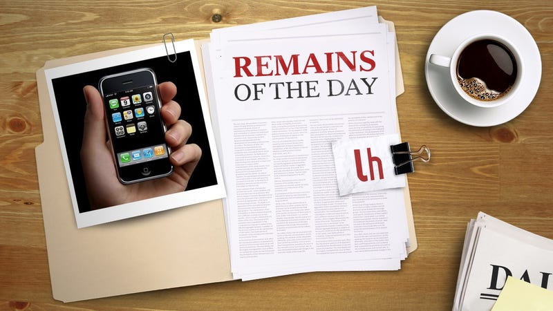 Illustration for article titled Remains of the Day: The Original iPhone No Longer Works on AT&T