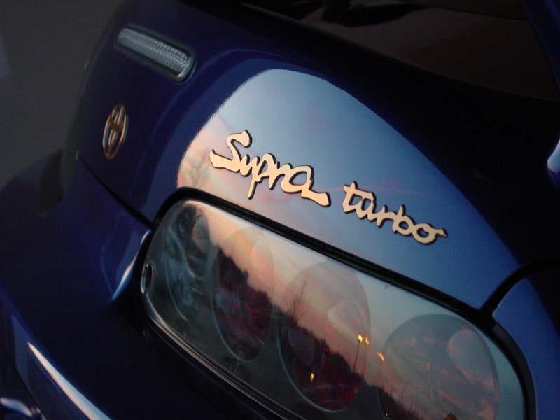 Illustration for article titled PROPER Toyotas have gold badges.