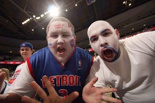 Illustration for article titled Pistons Lose Despite Home Court, Insane Fans