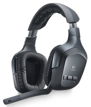 Illustration for article titled This Logitech F540 Wireless Headset Can Handle Three Inputs At Once