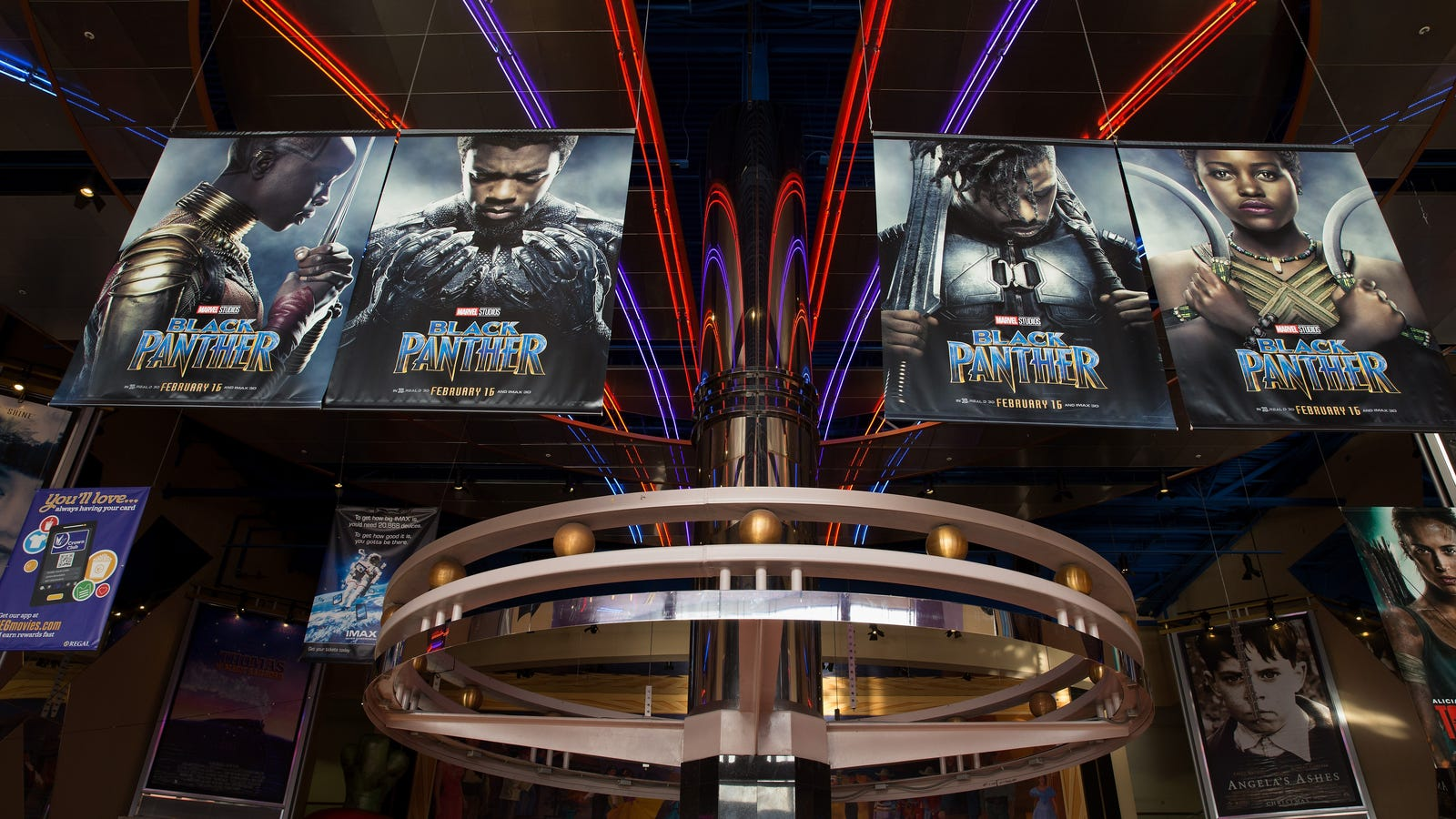 Black PantherBeats Out Star Wars: The Force Awakensfor the Biggest Monday Ever at the Box Office