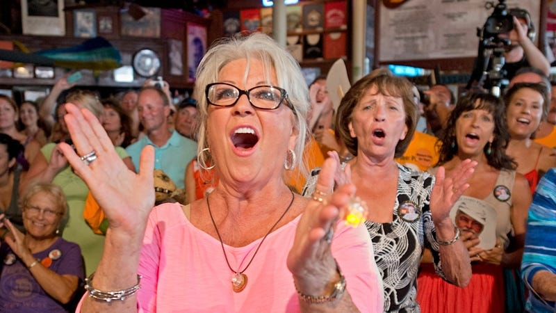 Illustration for article titled Paula Deen Makes First Public Appearance in Front of Cheering Texans