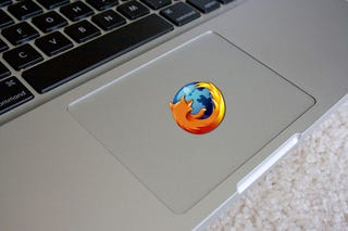 Illustration for article titled Experimental Firefox 3.1 Build Gets Awesome Multitouch Gestures on Macs