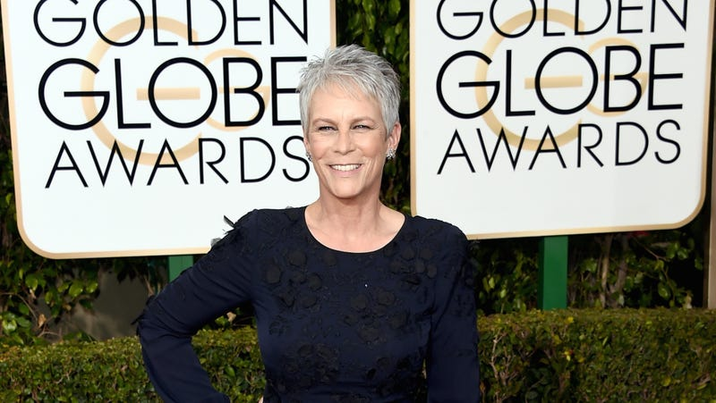 Illustration for article titled Jamie Lee Curtis Handed Out Her Own Golden Globes