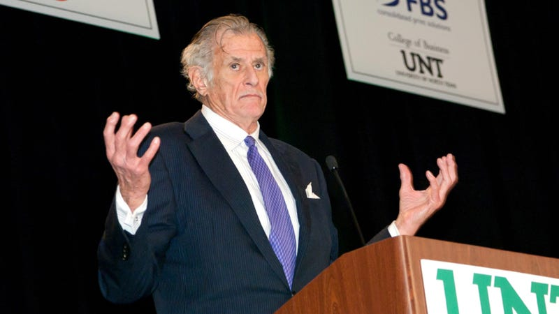 Illustration for article titled Sportswriter Frank Deford Is Taking Your Questions In The Comments Now