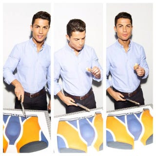 Illustration for article titled Cristiano Ronaldo Enjoys His Own Crotch, In Cake Form