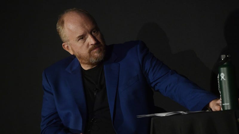 Illustration for article titled Louis CK whips out another surprise Comedy Cellar set