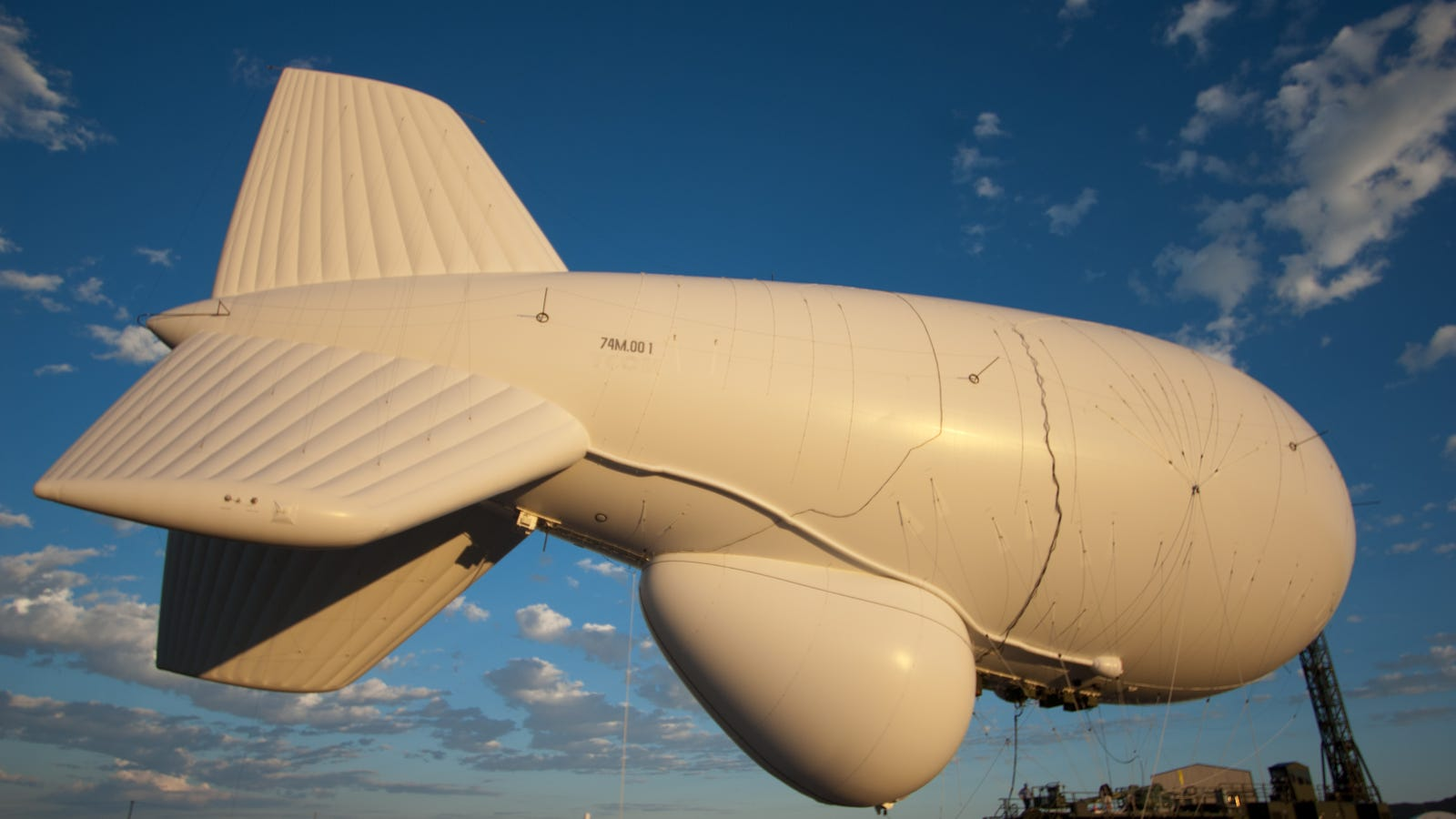This Is How The Army S Loose 2 7 Billion Radar Blimp