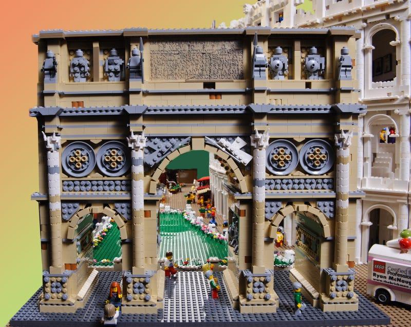 blxbrx (=black's bricks) blog: LEGO Colosseum
