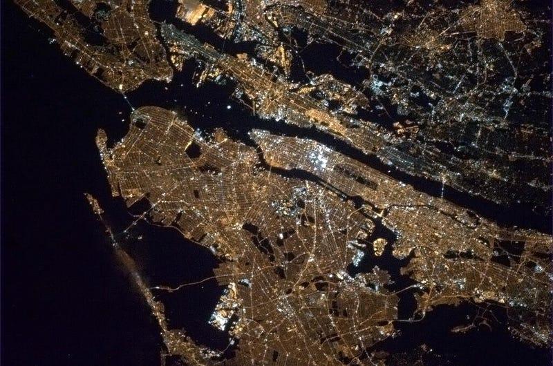 Illustration for article titled Un paseo nocturno por Nueva York, México o Las Vegas... desde el espacio