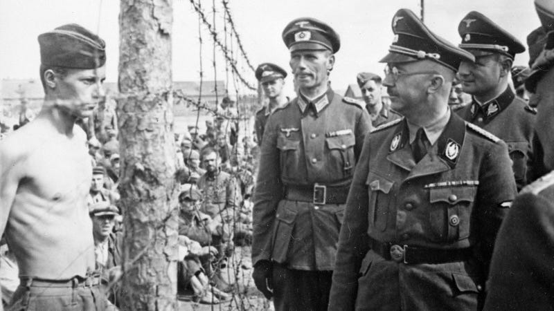Himmler inspects a prisoner of war camp in Russia, circa 1941. (Image: U.S. National Archives and Records Administration)