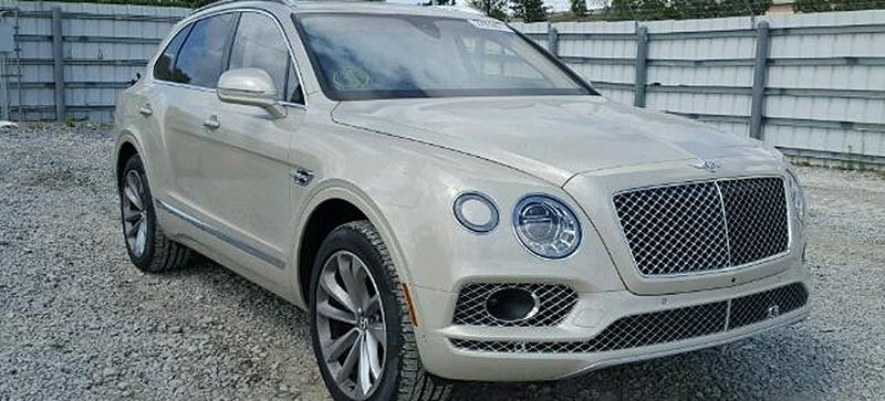 Illustration for article titled There's Already A Quarter-Million Dollar Bentley Bentayga At A Salvage Auction