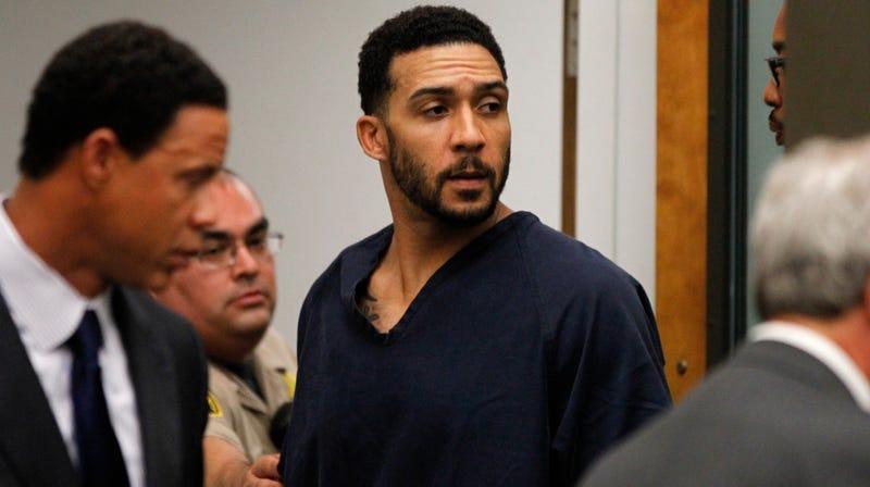 Illustration for article titled Rape Trial Begins for Former NFL Pro Kellen Winslow Jr.