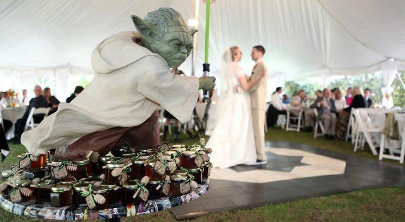 Illustration for article titled Esta es, probablemente, la boda más geek que se ha celebrado nunca