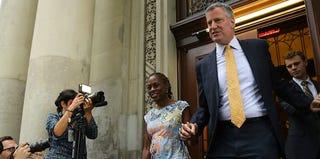 Chirlane McCray with her husband, New York City mayoral candidate Bill de Blasio (Spencer Platt/Getty Images)