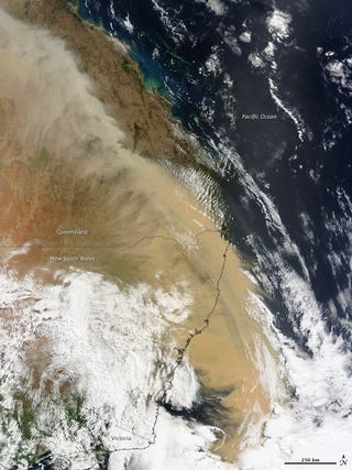 Illustration for article titled Australia's Red Dust Storm Looks Like The Apocalypse, Even When Seen From Space