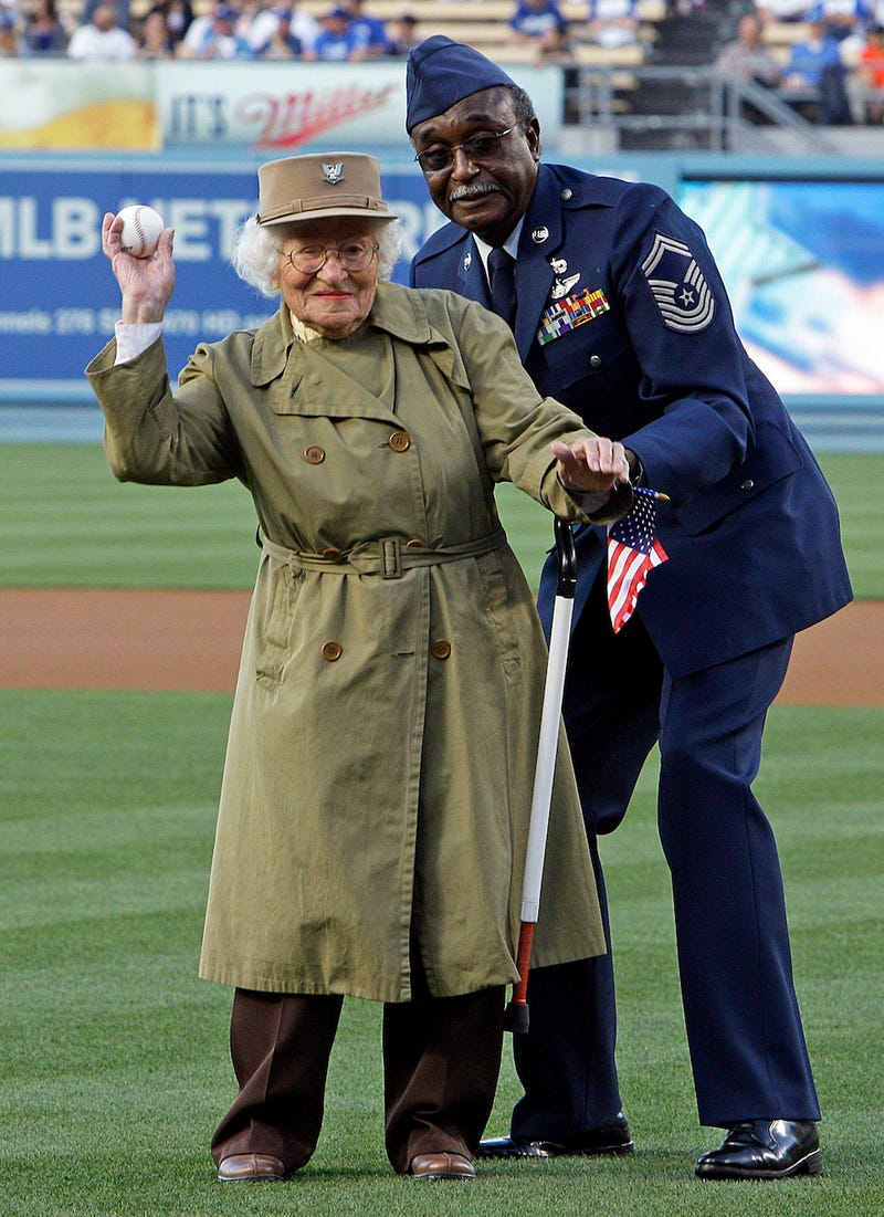 Illustration for article titled Bea Cohen, Oldest Living Female Veteran in CA, Throws First Pitch