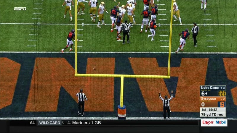 Illustration for article titled Notre Dame And Syracuse Are Definitely Playing In A Stadium With Crooked Goalposts
