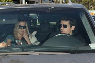 Illustration for article titled Jennifer Aniston Likes John Mayer's Head Brain