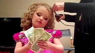 Illustration for article titled Honey Boo Boo Joins Ranks of Big Money Earners Like Justin Bieber and Taylor Swift