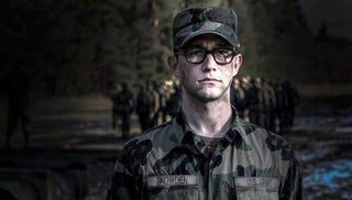 Illustration for article titled Primera imagen de Joseph Gordon-Levitt en el film sobre Edward Snowden