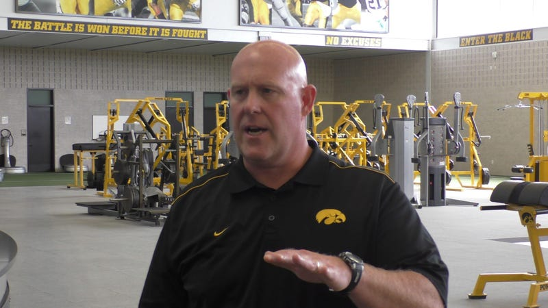 Illustration for article titled Iowa Strength Coach Is Making $595,000 This Year