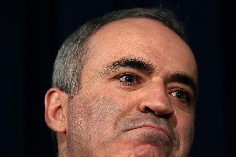 Illustration for article titled Garry Kasparov Battling Post-Soviet Alien Abductee For Chess Presidency