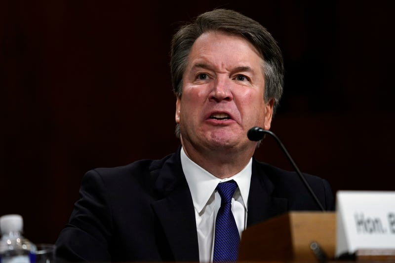 Illustration for article titled Text Messages Suggest Kavanaugh Urged Friends to Refute Claims Before They Became Public: Report
