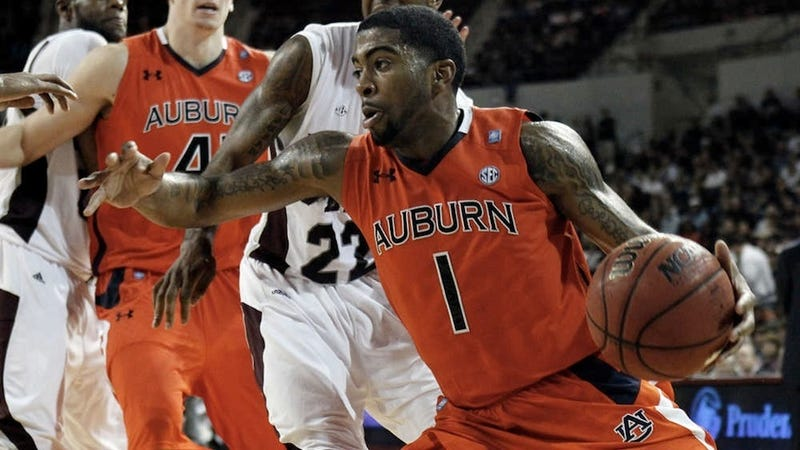 Illustration for article titled Report: FBI Investigating Auburn Point Guard For Alleged Point-Shaving