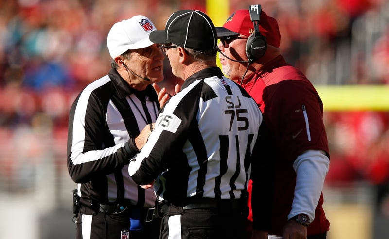 Illustration for article titled NFL Demotes Officiating Crew After Screwups In Cardinals-Niners Game