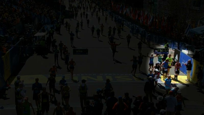 Illustration for article titled Marathon Runners Carrying Competitor Across Finish Line? Didn't Happen.