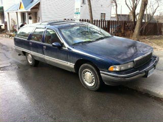 Illustration for article titled For $2,000, this diesel Roadmaster is a real loco-motive