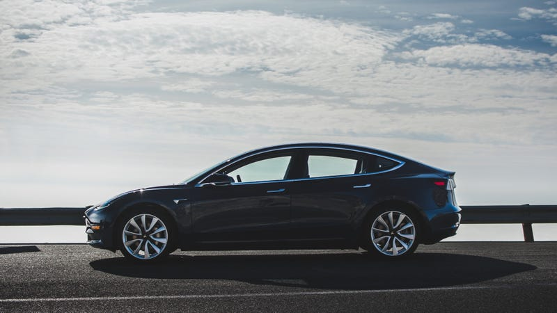 Illustration for article titled Elon Musk Says Tesla Model 3 Updates Coming After Consumer Reports Found 'Big Flaws' [UPDATED]