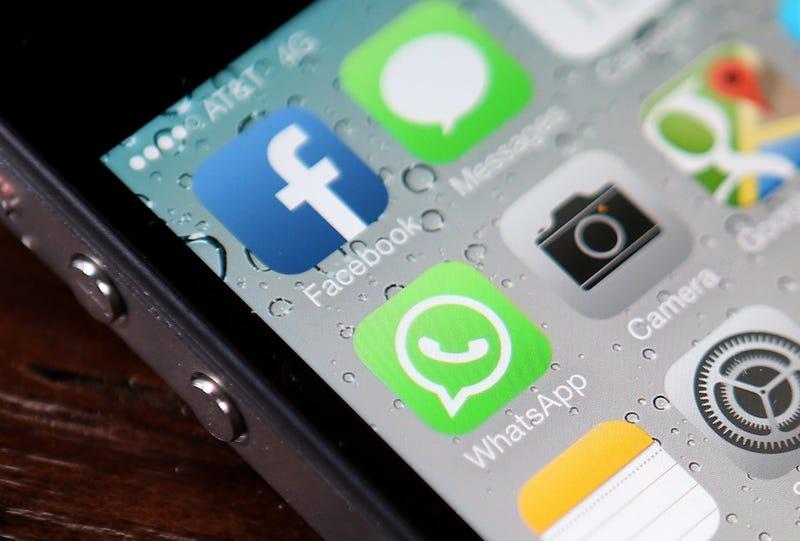 Illustration for article titled Grupos en pro de la privacidad piden detener la compra de WhatsApp