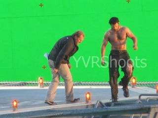 Illustration for article titled Man of Steel Set Photos