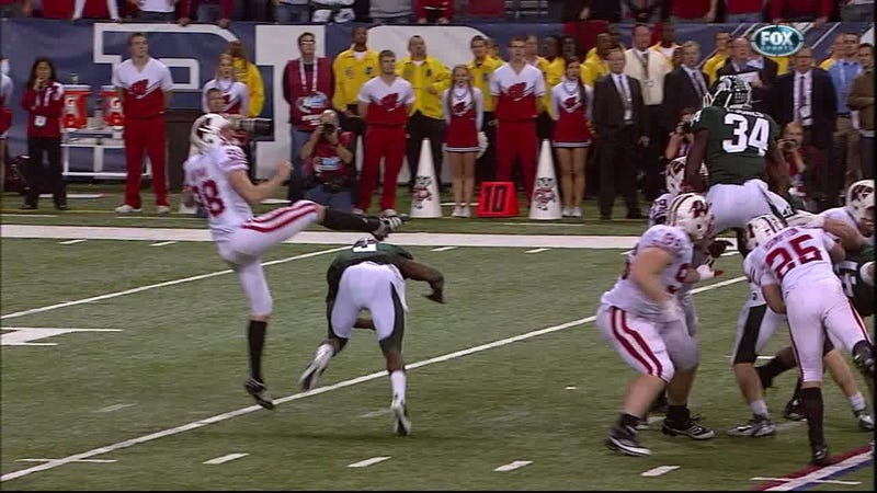 Illustration for article titled Wisconsin Punter Flops His Way To Big 10 Championship Glory