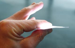 Este papel LED pronto podría iluminar tu casa