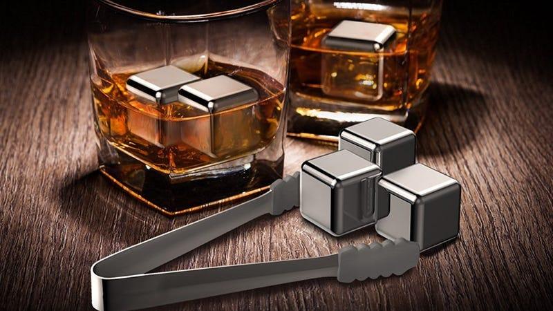 Piedras heladas TaoTronics para el Whiskey | $12 | Amazon | Usa el código RKLSSYTSFoto: Shep McAllister