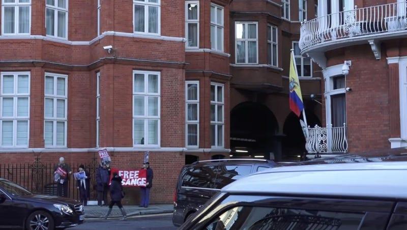 Illustration for article titled Ecuador Just Cut Off Julian Assange's Internet, Says He Meddled in International Affairs