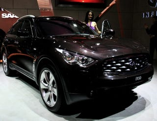 Illustration for article titled 2009 Infiniti FX50 Lands In Geneva, Impresses Booth Professionals With 5.0 Liter V8