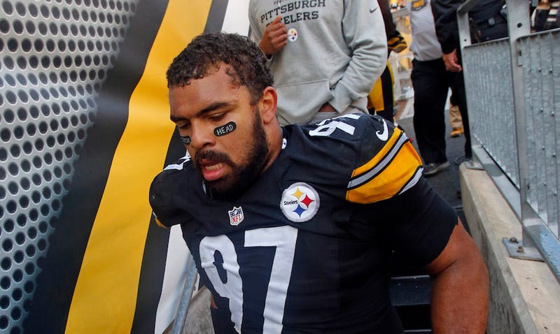 Illustration for article titled Cam Heyward Challenges The NFL On His Cancer-Awareness Eye Black