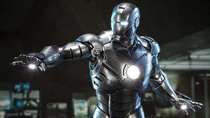 Illustration for article titled It's Too Bad This Stunning Iron Man Mark II Statue Doesn't Move