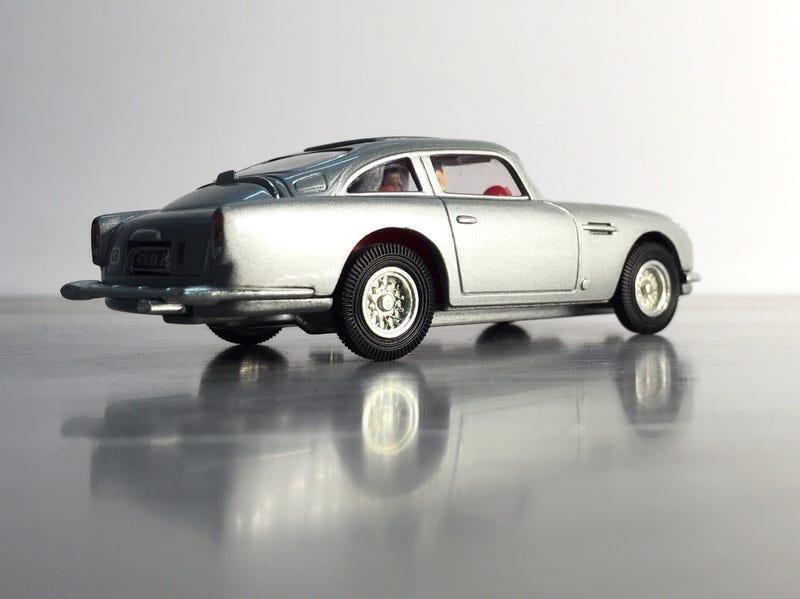 Illustration for article titled Martin, Aston Martin by Corgi