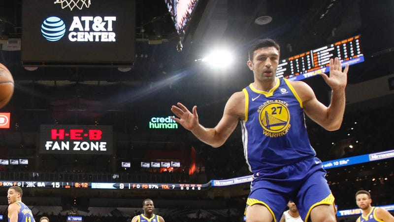 Illustration for article titled Maybe Just Get Zaza Pachulia The Fuck Out Of Here