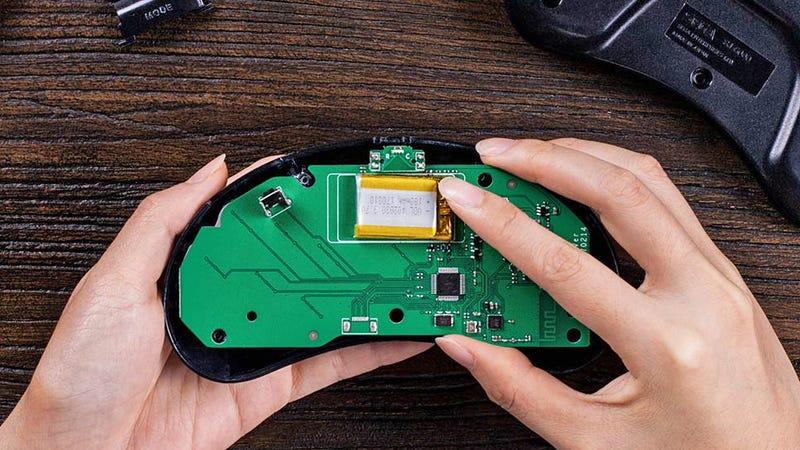 gizmodo.com - Andrew Liszewski - Upgrade Classic Controllers With These 8BitDo Wireless Kits