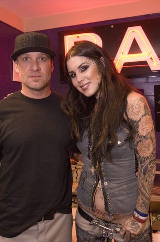Illustration for article titled Kat Von D Tweets — Then Deletes — That She's Dating Jesse James